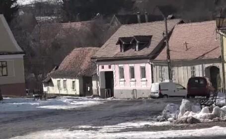 Locuitori din Saschiz, amendați de autorități după ce și-au renovat casele