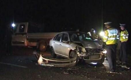 Accident cu 2 morţi la intrare în Buzău. Un autoturism a lovit o cisternă