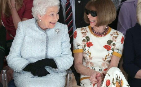 Regina Elisabeta, alături de Anna Wintour, la Săptămâna Modei de la Londra