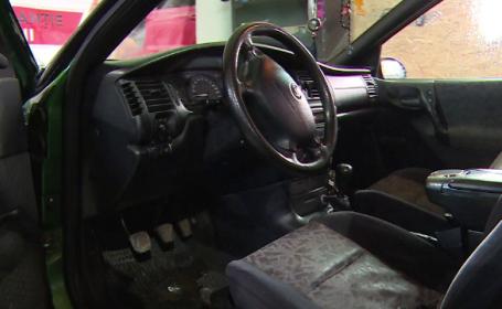 """Românii cumpără mașini cu volanul pe dreapta, apoi le modifică: """"E mai ieftin"""""""