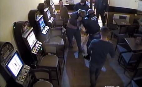 Bătaie într-un restaurant din Arad. Doi agenți de pază au împărțit pumni unor clienți