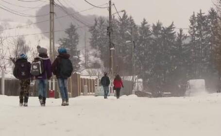 Şcolile din România unde nu se vor face cursuri joi şi vineri, din cauza ninsorii