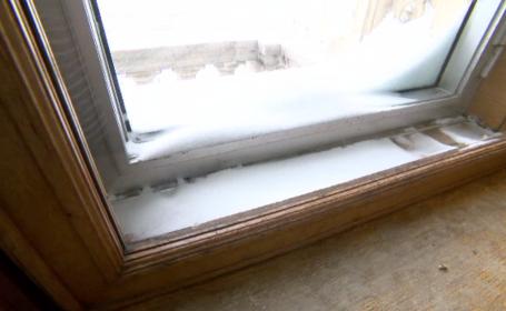 Parlamentarii nu mai vor să vină la serviciu din cauza frigului