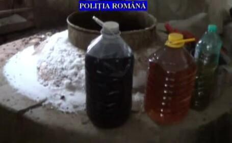 Descinderi în Prahova, la persoane care ar fi fabricat băuturi spirtoase fără autorizație