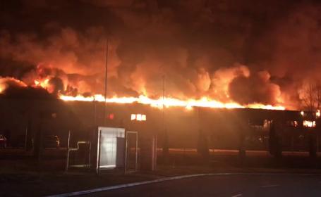 Incendiu la cea mai mare fabrică de condimente din România. Anunțul autorităților