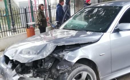 Un bărbat din Olt a fost lovit de o mașină, pe trotuar. Cum a fost posibil. FOTO