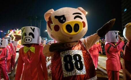 Paradă în Hong Kong pentru intrarea în Anul Porcului de Pământ