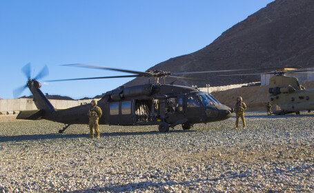 Şeful Pentagonului, într-o vizită neanunţată în Afganistan. Planul SUA privind talibanii