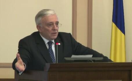 """Isărescu l-a desfiinţat profesional pe Vâlcov: """"Într-o lună a putut să producă atâtea perle"""""""