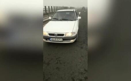 La un pas de tragedie: un șofer de 77 de ani a condus pe contrasens, pe A1, pe ceață