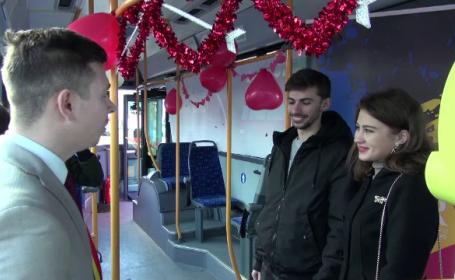 casatorii de Dragobete in autobuz