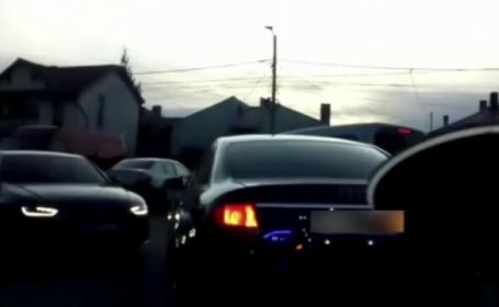 VIDEO. Ce a făcut un șofer din Mehedinți urmărit de poliție când drumul i s-a înfundat