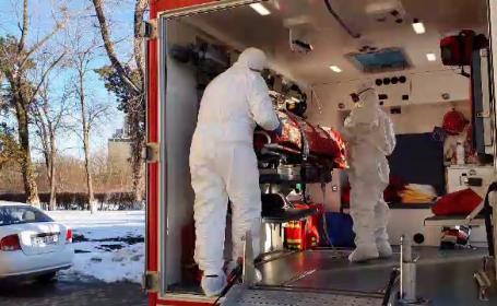 O profesoară din Suceava, suspectată de coronavirus. Transferată la Iași, pacienta a fost scăpată de pe targă