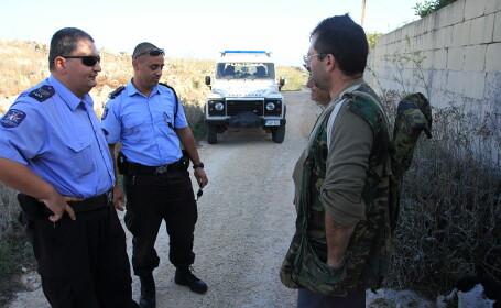 Mai mult de jumătate dintre poliţiştii serviciului rutier din Malta, arestaţi pentru fraude