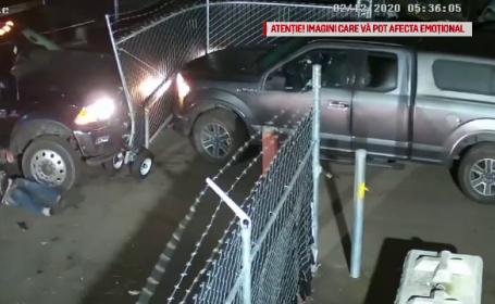 Momentul în care doi soți fug cu mașina dintr-un centru de tractări