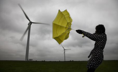 Vremea azi, 18 mai. Vânt puternic și ploi în toată țara