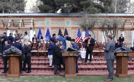 Guvernul afgan semnează acordul de pace cu talibanii, la Doha