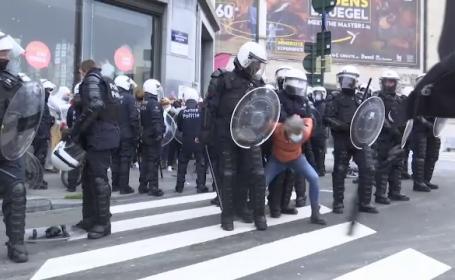 Sute de persoane arestate la Bruxelles, în urma unui protest împotriva restricțiilor