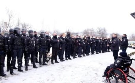 Un copil de 10 ani aflat pe moarte a fost făcut polițist pentru a i se împlini visul