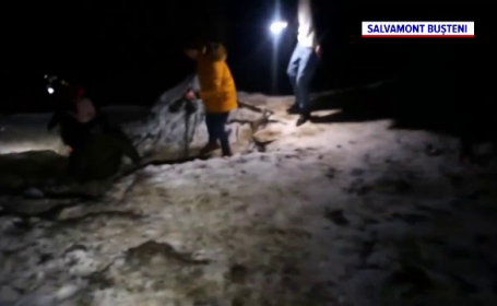 Cum au plecat șapte tineri spre Cascada Urlătoarea, în plină iarnă. Au coborât cu ajutorul salvamontiștilor