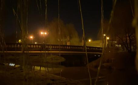 Crimă șocantă în Sibiu. Un bărbat și-a tranșat prietenul de pahar și l-a aruncat în râul Cibin