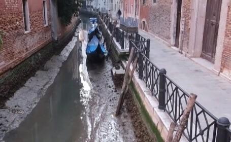 VIDEO. Veneția a ajuns în noroi, după ce canale au secat din cauza mareei joase