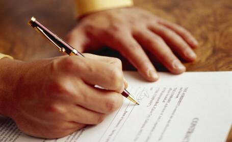 Notarii vor putea verifica identitatea persoanelor care incheie contracte