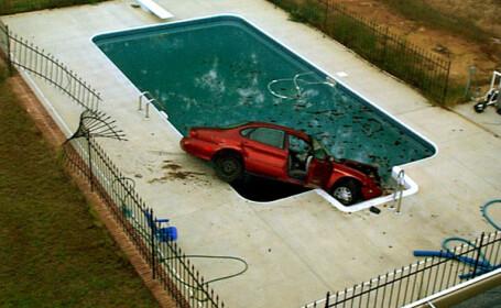 masina in piscina