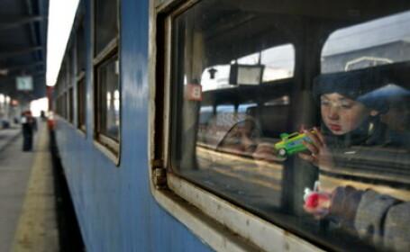 A scapat cu viata dupa ce a incercat sa urce intr-un tren in miscare