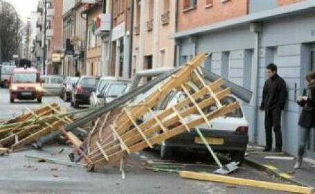 Vezi aici imagini socante de la furtuna din Spania care a ucis 4 oameni!