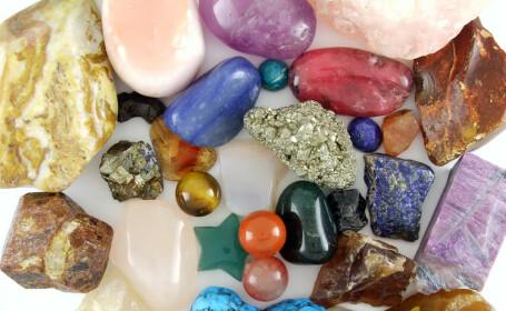 Incearca puterea tamaduitoare a pietrelor