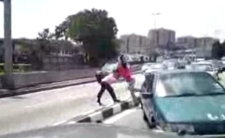 Accident minor, urmat de o bataie de proportii