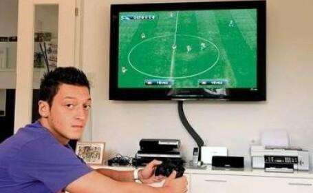 Vezi cum arata casa de 350.000 euro a noului star de la Real, Mesut Ozil!