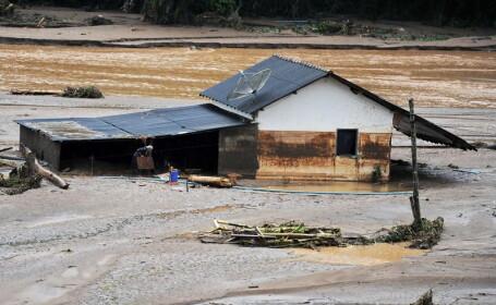 36 de persoane si-au pierdut viata in cele mai grave inundatii din Coreea de Sud