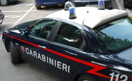 Incident in Italia, la Napoli. O femeie de etnie roma si copilul ei au fost stropiti cu acid