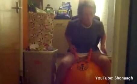 Ce fac doua bunicute de au ajuns de rasul internetului. VIDEO