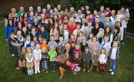 bunica cu familia mare