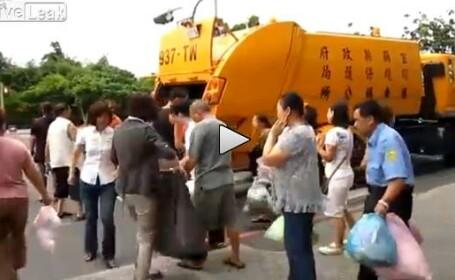 masina de gunoi, Asia