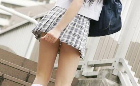 Adolescentele, incurajate sa-si inceapa mai repede viata sexuala. Decizie soc intr-o tara europeana