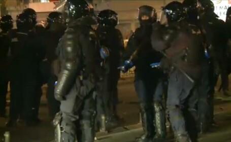 gaze lacrimogene jandarmi