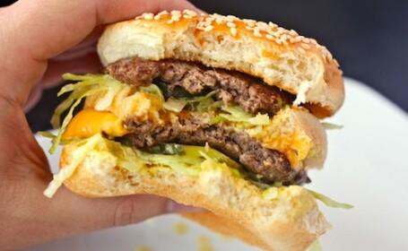 Burger King lanseaza pe piata o copie perfecta a celebrului Big Mac