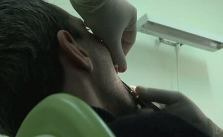 barbat la dentist