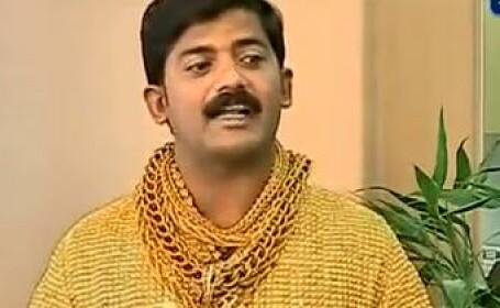 Un indian a dat 14.000 de lire pentru un tricou din aur cu care spera sa-si gaseasca iubita. Video