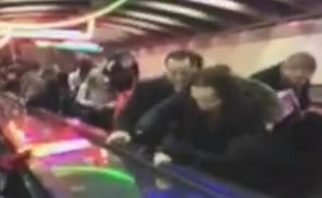5 oameni raniti, dupa ce scara rulanta dintr-un metrou s-a defectat si a inceput sa mearga invers