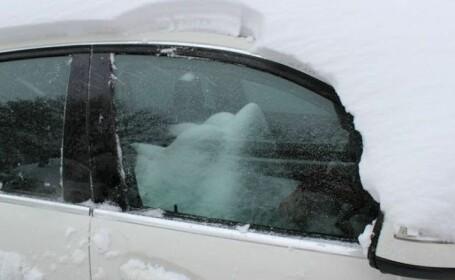 Cel mai ghinionist sofer. Cum si-a gasit masina dupa ce a nins toata noaptea