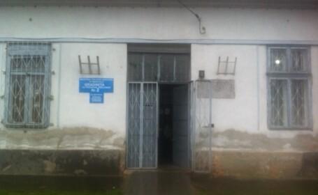 Pentru a-i face sa taca, o educatoare din Timisoara a lipit copiilor pe gura, banda adeziva