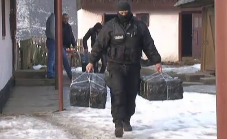 Ancheta AP despre amploarea traficului cu tigari la granita Romaniei cu Ucraina