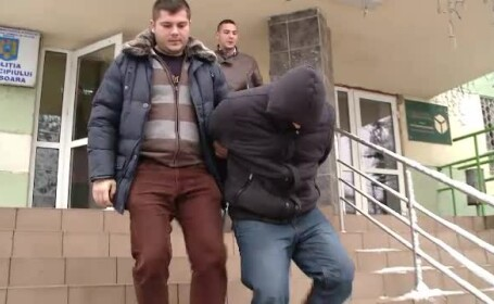 Jandarmul din Timisoara care a incercat sa jefuiasca 3 pakistanezi, arestat pentru 29 de zile