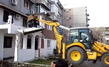 Vila si fantana arteziana ... la bloc. Unui craiovean i-a fost demolata constructia ilegala
