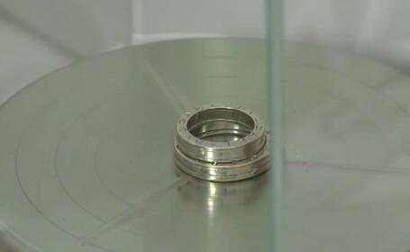 Cat de usor poate sa dispara un gram de aur, atunci cand mergeti la amanet. Camera ascunsa